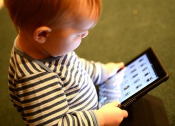 2CV - Growing up digital – Online Identity and the Digital Generation